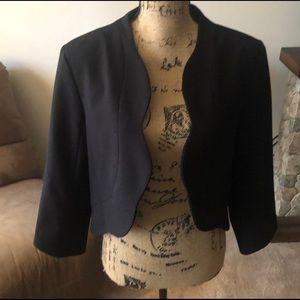 Black blazer scalloped front three quarter sleeve
